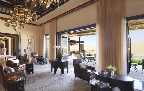 أنتارا قصر السراب منتجع الصحراء - Royal Pavilion Villas The Lounge