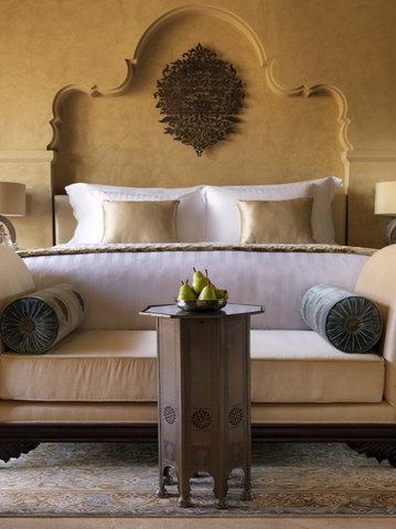 أنتارا قصر السراب منتجع الصحراء - Royal Pavilion Villas Villa Bedroom Details