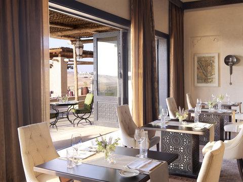 أنتارا قصر السراب منتجع الصحراء - Royal Pavilion Villas The Dining Room interior