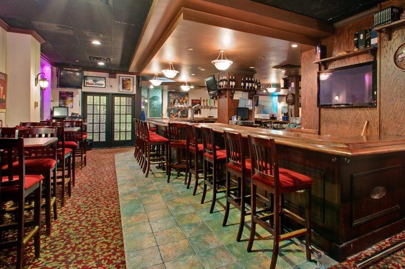 Holiday Inn Toronto-Midtown Ravintolat