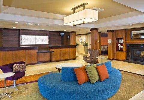 Fairfield Inn & Suites White Marsh - Lobby   Reception Desk