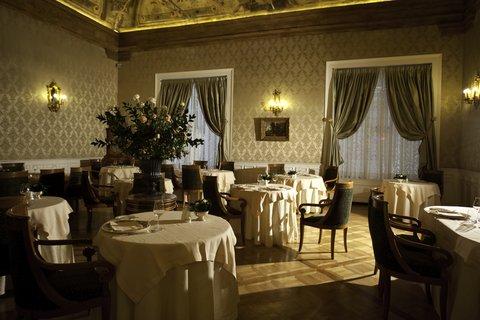 Grandhtl Majestic Gia Baglioni - Ristorante ICarracci Con Tavoli Apparecchiati O