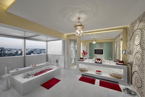 ITC Gardenia, a Luxury Collection Hotel, Bengaluru - Peacock Suite Bathroom