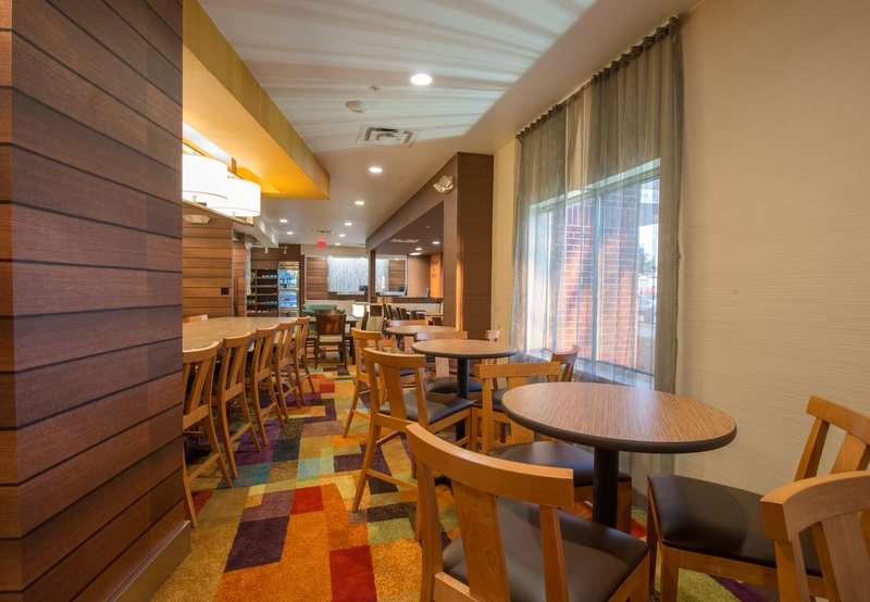 Fairfield Inn by Marriott Dallas Lewisville Gastronomia