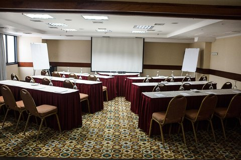 Embassy Suites by Hilton Caracas - Conference Room Classroom Setup