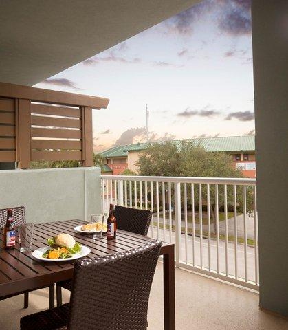 Courtyard Palm Beach Jupiter - Guest Room   Balcony
