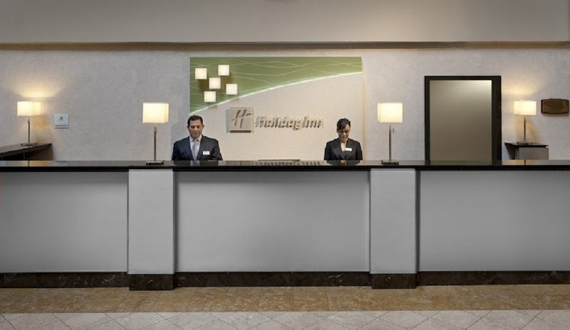 Holiday Inn Denver East Stapleton Außenansicht