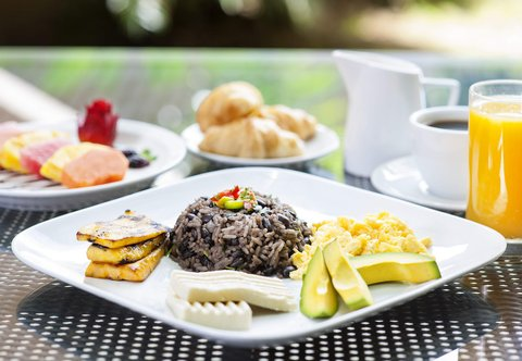 Courtyard by Marriott San Jose Airport Alajuela - Centro Restaurant - Costa Rican Breakfast