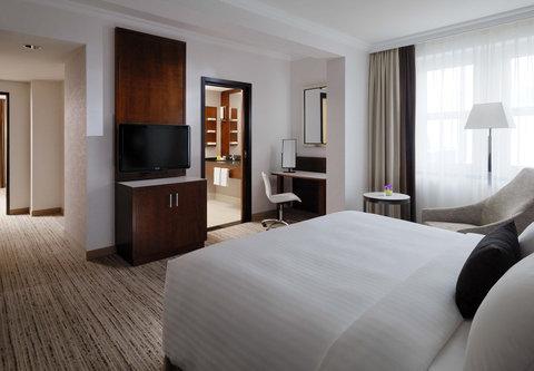 Cologne Marriott Hotel - Dom Suite Bedroom
