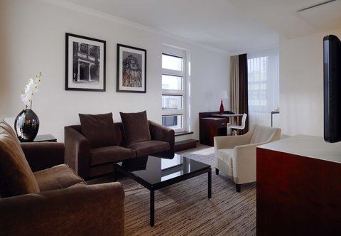 Cologne Marriott Hotel - Dom Suite   Living Room