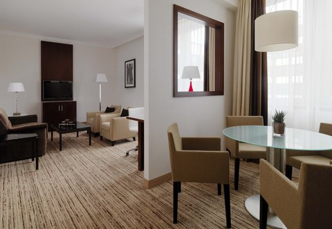 Cologne Marriott Hotel - Grand Executive Suite Living Room