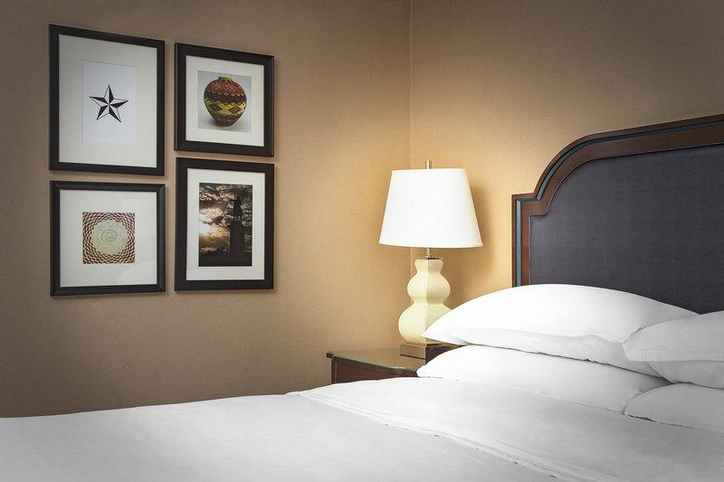Sheraton Suites Houston Near The Galleria Suite