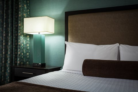 Crowne Plaza ANCHORAGE-MIDTOWN - Spacious and well lit rooms at Crowne Plaza Anchorage-Midtown