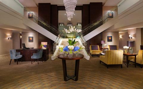 فندق فور سيزن  - The Pearl Floor Reception