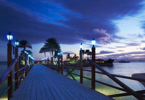 Hurghada Marriott Beach Resort - Island Bridge