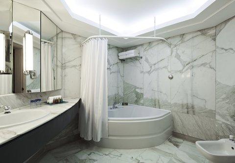 Hurghada Marriott Beach Resort - Neptune Suite Bathroom