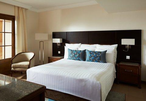 Hurghada Marriott Beach Resort - Cupid Suite Bedroom