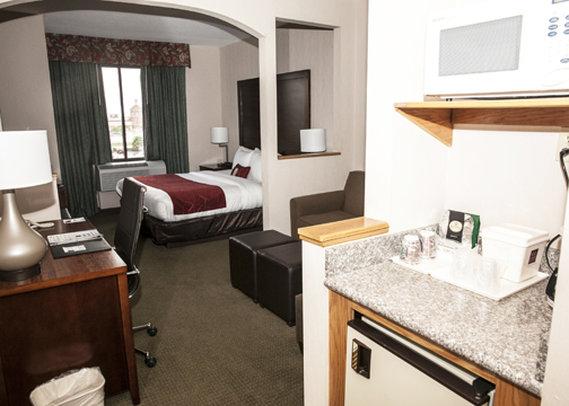 Comfort Suites Stafford Suite