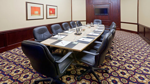 Crowne Plaza Suites ARLINGTON - BALLPARK - STADIUM - Board Room
