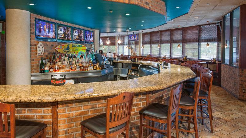 Crowne Plaza Hotel Auburn Hills Bar/Lounge