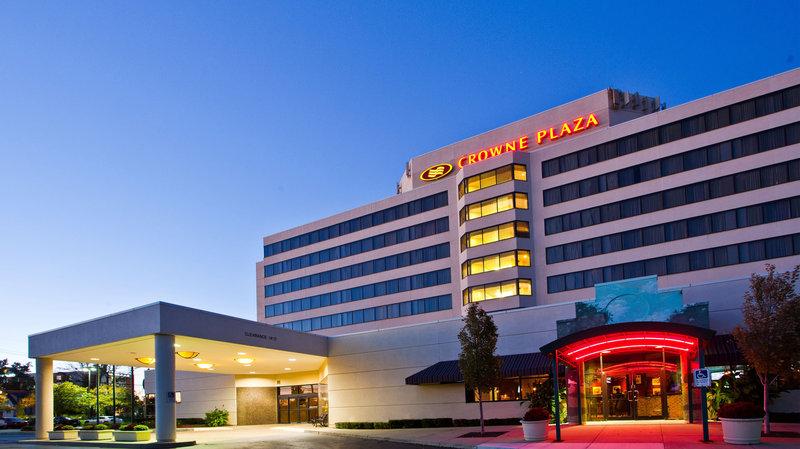 Crowne Plaza Hotel Auburn Hills Vue extérieure