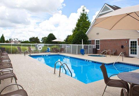 Residence Inn Baton Rouge Siegen Lane - Outdoor Pool