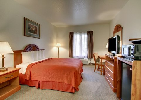 Quality Inn Near Fort Riley - FLKSAccessible Queen Bed