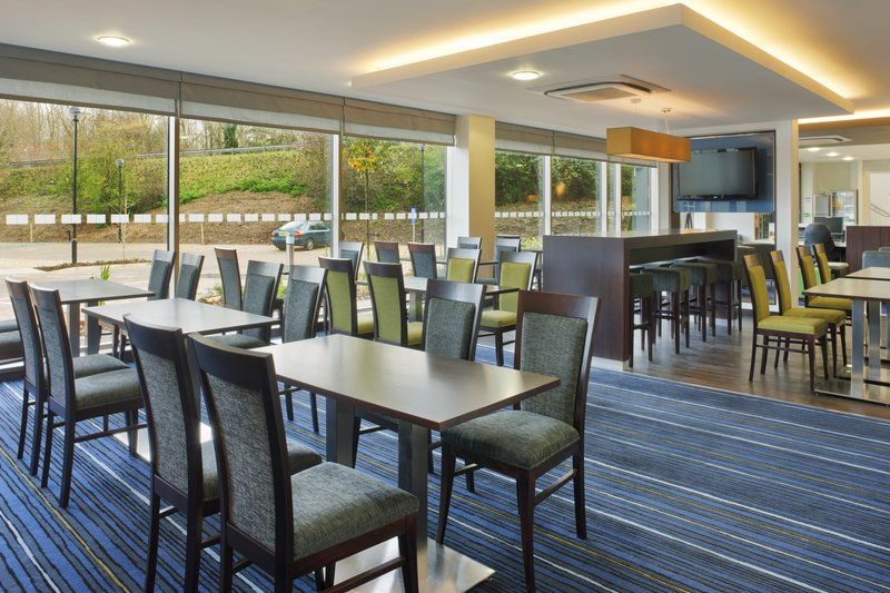 Holiday Inn Express Cambridge-Duxford Gastronomia