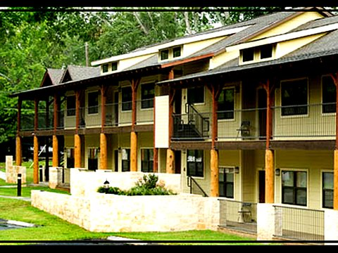 Shelby Energy Lodge - Exterior