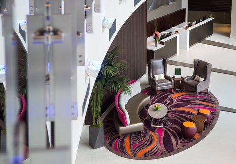 Residence Inn Los Angeles L.A. LIVE - Lobby Seating Area