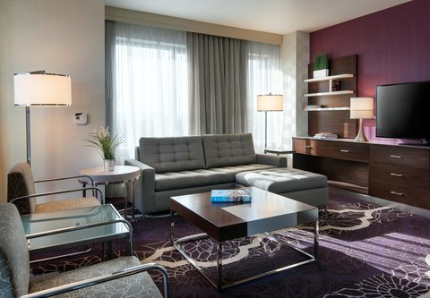 Residence Inn Los Angeles L.A. LIVE - Executive Suite   Living Area