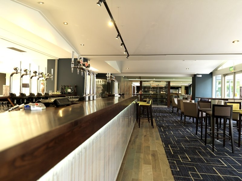 Holiday Inn Stratford-Upon-Avon Bar/Lounge