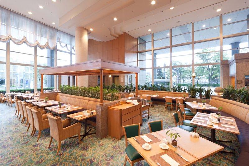 Crowne Plaza Ana Toyama 餐饮设施
