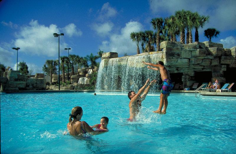 Walt Disney World Swan Bazén