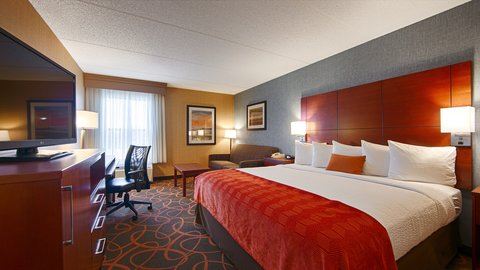 BEST WESTERN PLUS Fresno Airport Hotel - Two Queen Guest Room