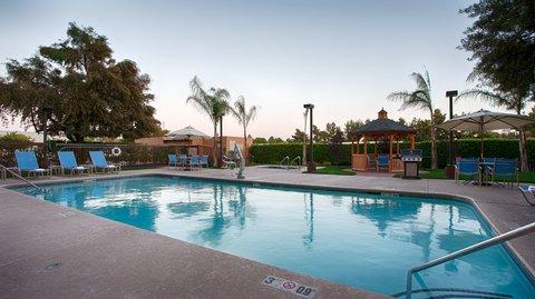 BEST WESTERN PLUS Fresno Airport Hotel - Pool