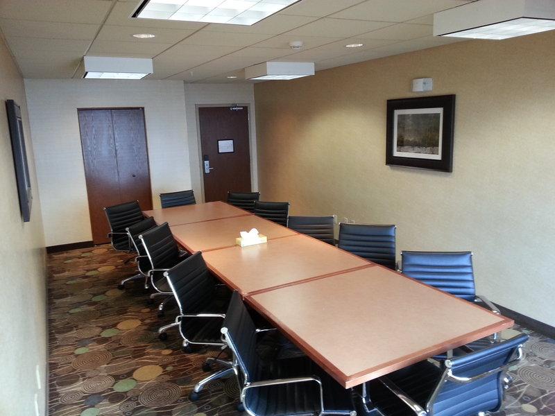 Holiday Inn Express & Suites GRAND FORKS - Grand Forks, ND