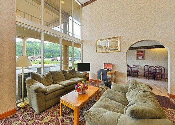 Econo Lodge Cave City Lobby