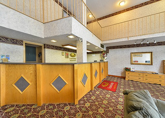 Econo Lodge Cave City Lobby