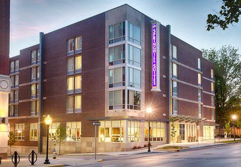 SpringHill Suites Bloomington - Exterior