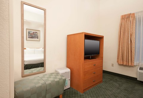 Fairfield Inn By Marriott Beaumont - Executive King Suite - Amenities
