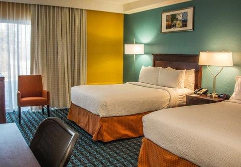 Fairfield Inn & Suites Cincinnati North/Sharonville - Double Double Guest Room