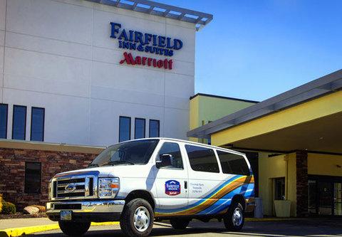 Fairfield Inn & Suites Cincinnati North/Sharonville - Shuttle Service