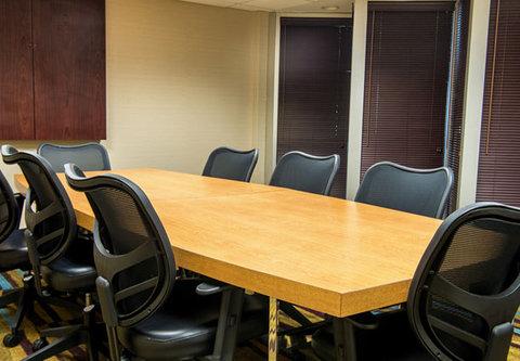 Fairfield Inn & Suites Cincinnati North/Sharonville - Kemper Boardroom