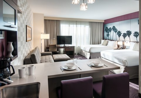 Residence Inn Los Angeles L.A. LIVE - Queen Queen Studio Suite