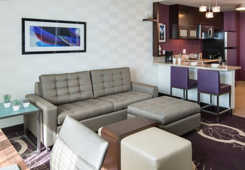 Residence Inn Los Angeles L.A. LIVE - Queen Queen Studio Suite - Living Area   Kitchen