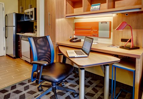 TownePlace Suites Oklahoma City Airport - Home Office