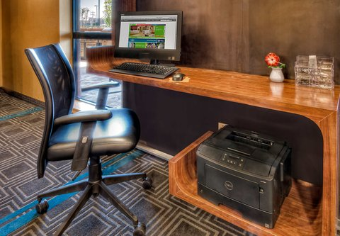 TownePlace Suites Oklahoma City Airport - Business Center