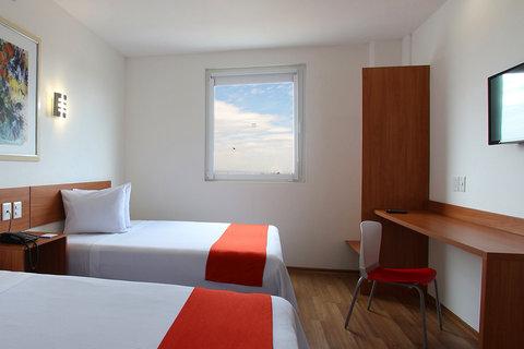 One Guadalajara Periferico Vallarta - Superior Room  2 Double