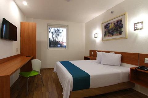One Guadalajara Periferico Vallarta - Superior Room  1 Queen